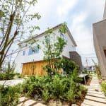広島建設が〝つながり〟コンセプトの分譲住宅=建物配置と外構計画が評価され初のグッドデザイン賞に