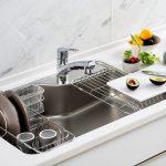 タカラスタンダード、ステンレスシンクに新製品=「らくエルシンク」、L型バーや奥行き50センチの洗い場